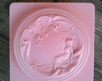 Vintage 1960s White Shoulders Powder Evyan Pink Celluloid Art Deco Box 2016303