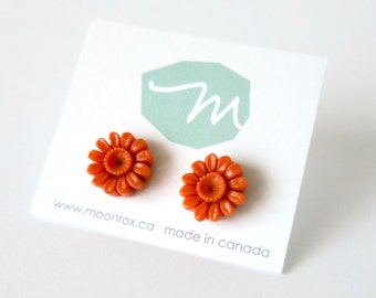Daisy Stud Earrings -- Coral