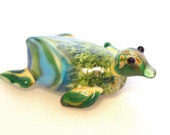 Green & Aqua Sea Turtle necklace, Lamp Work Glass Bead marine biologist pendant, ready to wear glass jewelry, Isinglass Design, glassbead