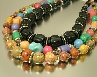 Vintage job lot of chunky 1980s plastic bead necklaces - beads - jewellery jewellery, bargain sale, crafting vintage beads