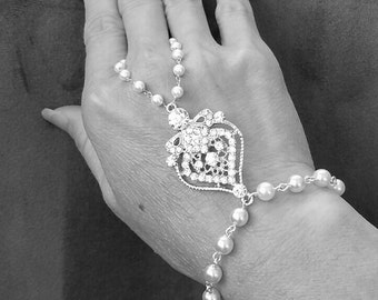 Hand Chain, Bridal Bracelet, Bridal Hand Chain, Pearl Bracelet, Wedding Jewelry, Crystal Embellished Hand Chain