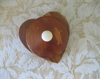 Vintage cedar trinket box wood Valentine heart shaped celluloid knob on lid