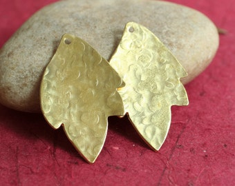 Hand hammered solid brass leaf drop dangle size 30x19mm, 2 pcs (item ID XW03432)