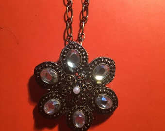 Crystal flower bronze necklace