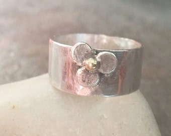 Mothers Day Sale - Sterling Silver Wide Band Recycled 22K Gold Flower Ring - Us Size 5