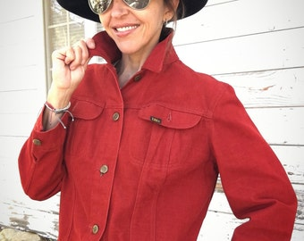 Vintage 70s Lee jacket,sanforized,union made in USA,red,rare,unique,original,cropped,jeans,cotton,casual,stylish,beautiful