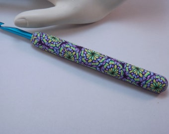 Ergonomic Polymer Clay Covered Crochet Hook Handcrafted Kaleidoscope Bates H, 5.00mm