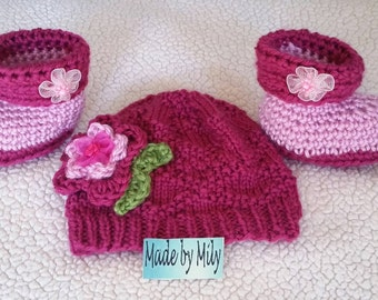 Gorgeous baby girl set of hat and booties, lovely colors