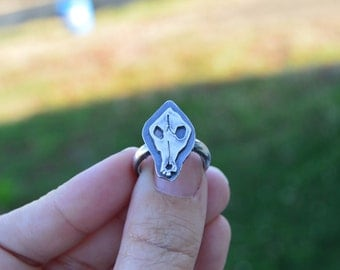 Bone stories – coyote skull ring in sterling silver - size 7