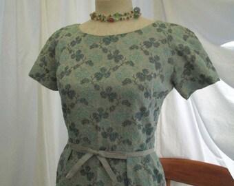 Blue linen dress 60s Vintage linen shift Saks Fifth Avenue Blue embroidered 60s dress M