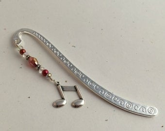 Bookmark.Silver Tone Music Note Charm. Red Beads, Clear Crystals,Silver Shepherds Hook