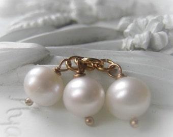 Freshwater Pearl Pendant Gemstone Pendant Pearl Charm Item No. 1577