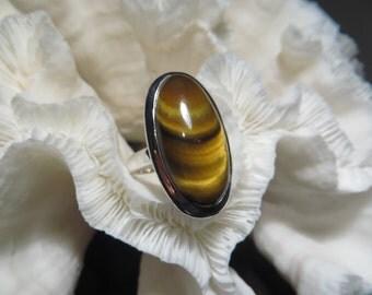Beautiful Modern Tiger's Eye Ring Size 7