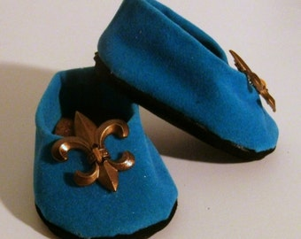 """Blue """"suede"""" shoes for 18"""" dolls"""