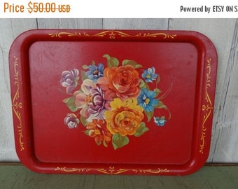 ON SALE Beautiful Red Tole Tray With Flower Bouquet in Bold, Vivid Colors Tole Tray Retro Tray Large Floral tray Flower tray large tole tray