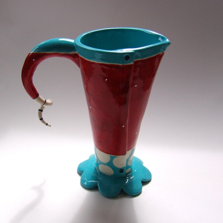 skurrilen keramik vase oder krug t rkis rot gepunkteten. Black Bedroom Furniture Sets. Home Design Ideas