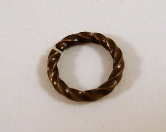 50 Antique Gold Twisted Jump Ring 8mm Plated Brass Fancy 16 gauge 8mm Outside - 50 pc - 5251