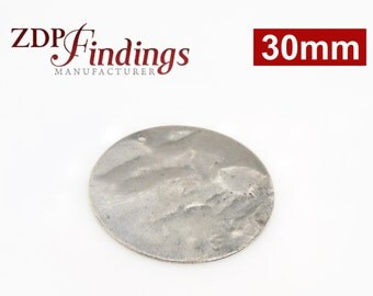 6pcs Discs 30mm Brushed Hammered Silver Plated Charms with Hole (9302HBASP)