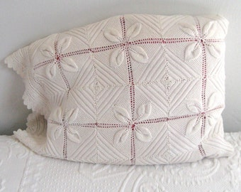 knitted pillowcase .knitted decorative pillow . shabby chic pillow . white knitted pillow . knitted cotton pillowcase