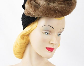 1940s Hat Black Jersey Knit and Tan Mouton Tilt