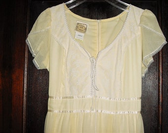 Vintage 70s Gunne Sax Prairie Dress Yellow 11 Peasant Corset Renaissance