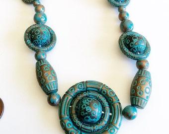 Vintage lightweight resin beaded necklace