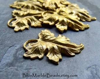 Brass Leaves, Metal Leaves, Brass Pendants, Vintage Findings, Brass Findings, Brass Stamping, Leaf Stamping, Autumn Leaves, 6 Pendants