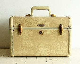 Vintage Samsonite train case - traincase - Samsomite - suitcase - luggage - cream - marbled
