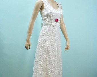1970s Prairie Sun Dress . Vintage 70s White Eyelet Maxi Sundress . Romantic Ruffles & Rose Appliques . XS S