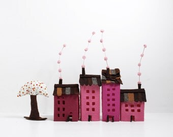 Houses ornaments, Set of four buildings of felt, with a tree. Miniature. Decoration.