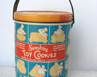 Vintage 1930's Lithographed Tin Swing Handle Sunshine Toy Cookies Advertising Tin, Chef and  Toy Shaped Cookies, Loose Wiles Biscuit Co. NY