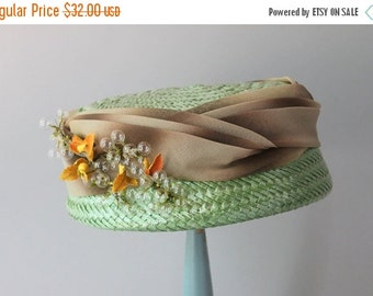 STOREWIDE SALE 1950s Hat / 50s Celery Green Straw Hat / Ombre Band and Bubbles 1960s Hat