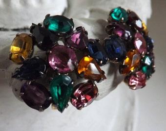 Vintage fruit salad rhinestone earrings multi color rhinestone screw post earrings gold tone flower or starburst in circle