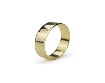 9ct yellow gold ring, handmade with texturing of surface with planishing hammer or without if you prefer?