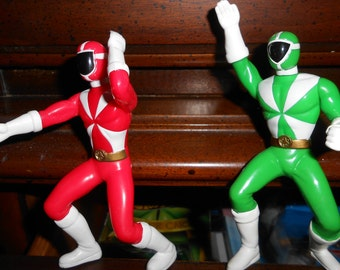Vintage Power Rangers 2 one red and one green Action Figures