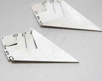 One Set Oxidized Silver Plated Triangle Pendant - Geometry - 73x40mm (3118C-N-271)