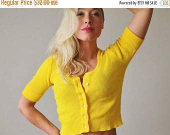 ON SALE 1960s Slim Sunny Cardigan >>> Extra Small to Small
