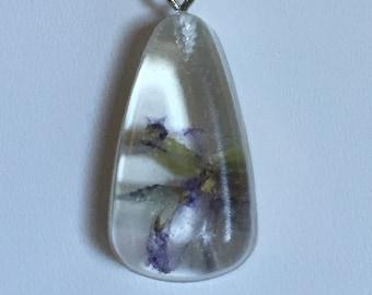 Blue flower resin necklace