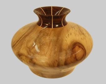 Myrtle Wood Vase 469