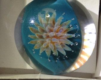 Boro sea anemone pendant