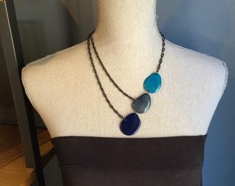 Shades of blue asymmetrical necklace