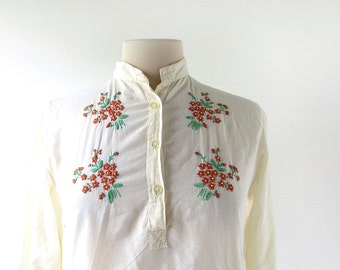 India Cotton Blouse / 70s Top / Embroidered Blouse / XS S