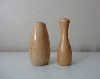 VINTAGE pair of small blonde WOOD bud VASES