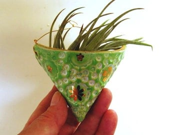 Green and Gold Pocket Pouch Small Hanging Ceramic Miniature Planter Vase Ornament Decor for Air Plants
