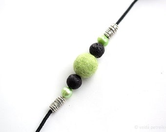 Green necklace Felt and leather minimalist apple green black fashion jewelry Fresh green pearl bridesmaid wife gift Prom party choker