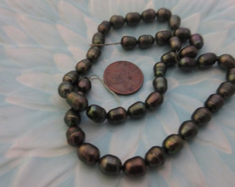 "Dark Forest Green Rice Freshwater Pearls 7-8mm Bead Strand, 15"" strand, 45 pearls (Destash)"