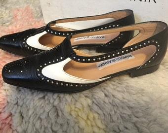 Vintage 90s Minimalist Manolo Blahnik Spectator Shoes 6.5