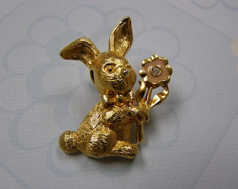 Sweet Easter Bunny Pin Brooch Broach Tie Tac Hat Pin