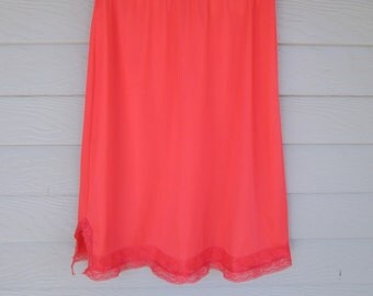 Hollywood Vassarette Coral Orange Half Slip