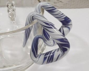 Glass Spiral 00g Angled spiral white and blue glass spiral